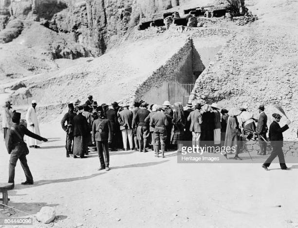 Crowd of interested spectators waiting outside Tutankhamun's tomb Valley of the Kings Egypt 1922 The discovery of Tutankhamun's tomb in 1922 by...