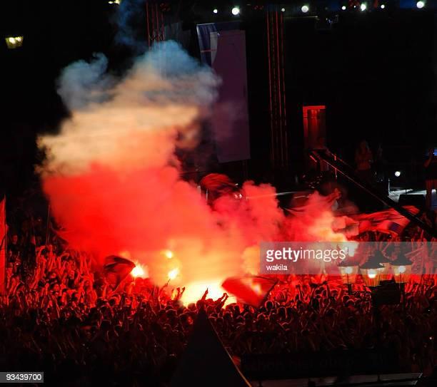 crowd of people - Fußballfans