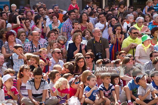Folla di guardare