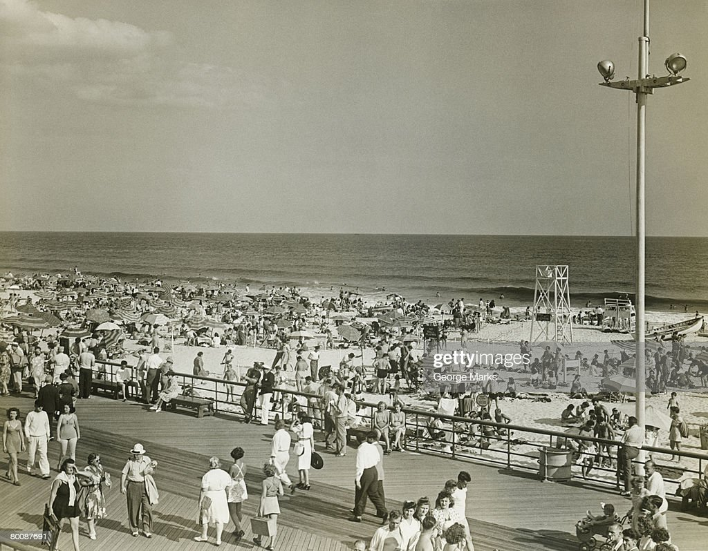Crowded beach, elevated view : Stock Photo