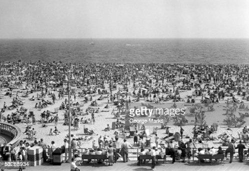Crowded beach : Foto de stock