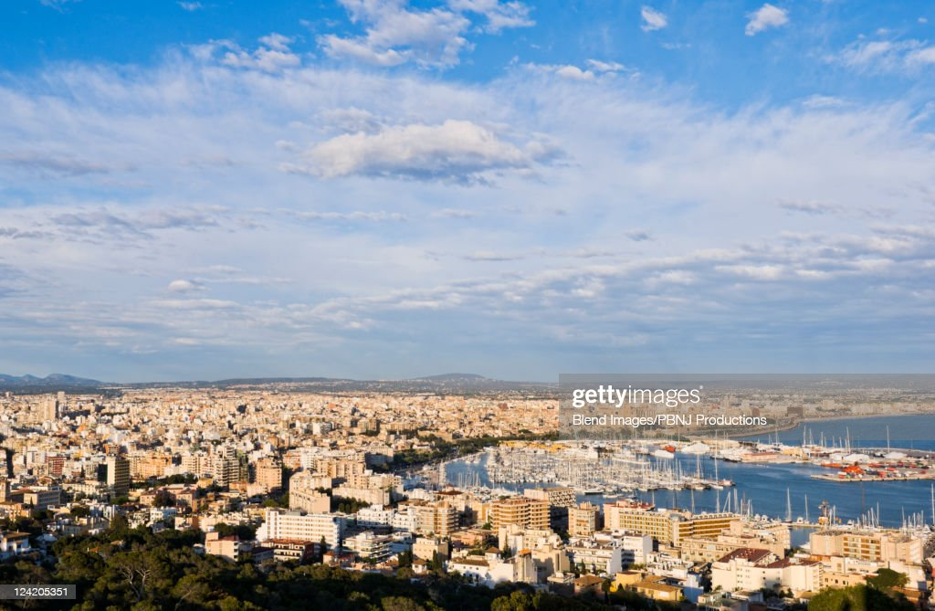 Crowded city with boats in marina : Stock Photo