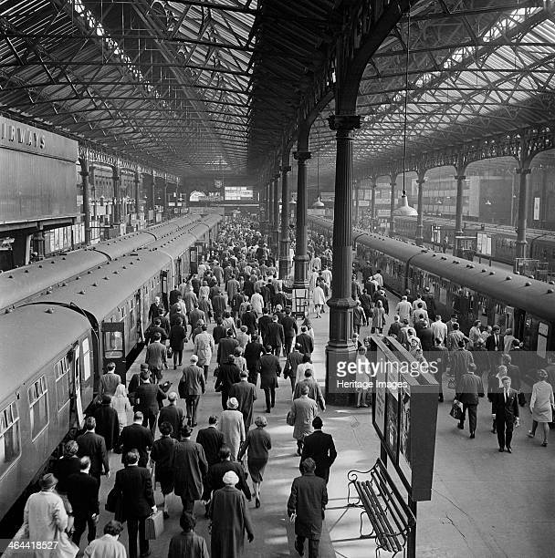Crowded platforms at Victoria Station London 19601972