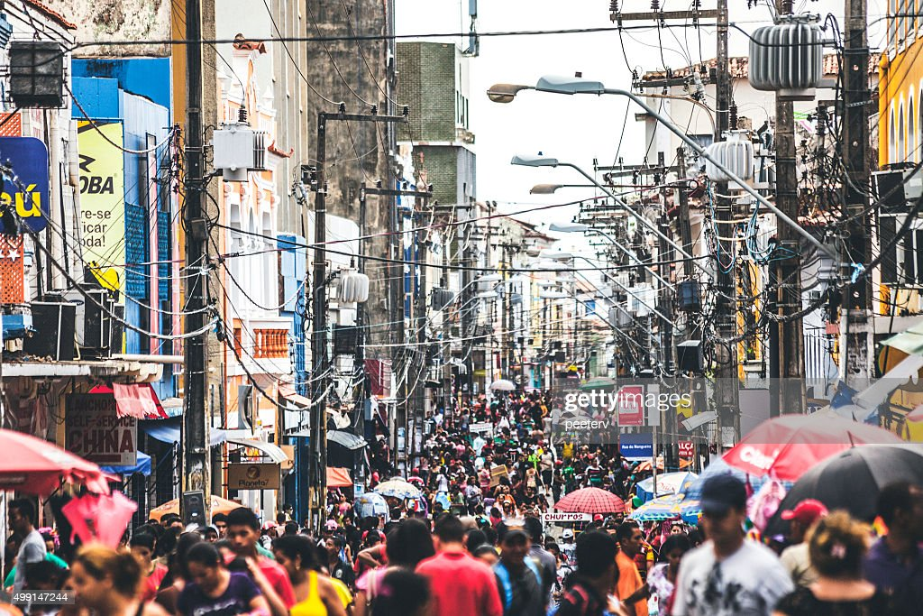 Beengt shopping street. Sao Luis, Brasilien. : Stock-Foto