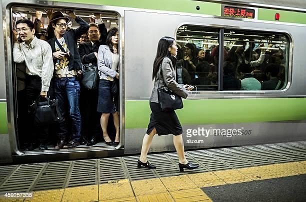 混雑した東京の地下鉄