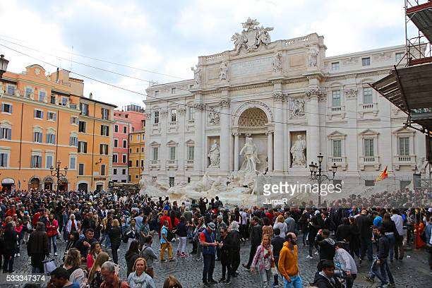 Crowds at Trevi Fountain and Piazza di Trevi