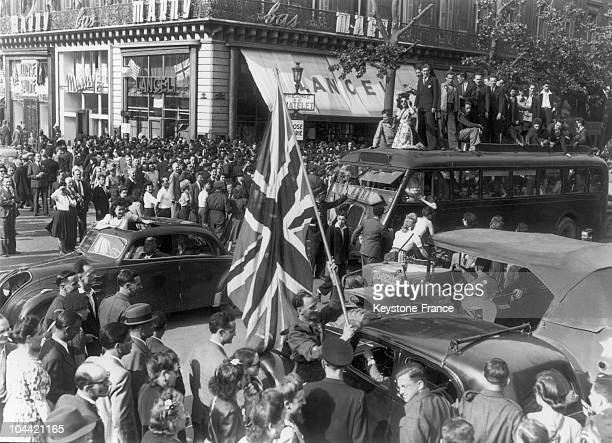 Crowds Celebrating The Liberation Of Paris At Place Du Chatelet On August 25 1944