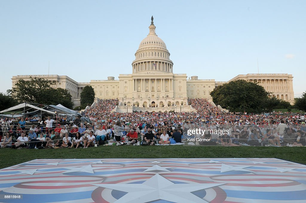 crowds-fill-the-west-lawn-during-a-capitol-fourth -independence-day-picture-id88815948