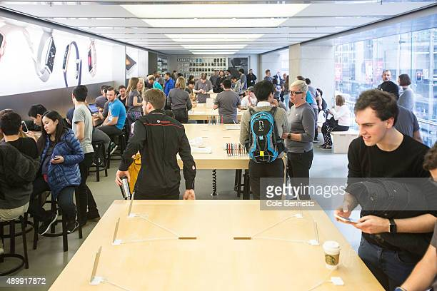 Crowds flock to Apple Store on September 25 2015 in Sydney Australia Some eager iPhone fans arrived to queue at 4am on Thursday morning to be the...