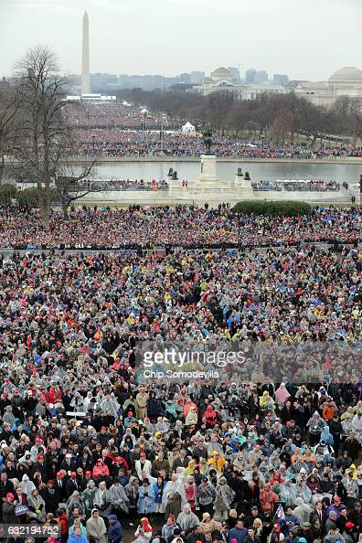 http://media.gettyimages.com/photos/crowds-on-the-national-mall-and-in-front-of-the-us-capitol-watch-us-picture-id632194752?s=594x594