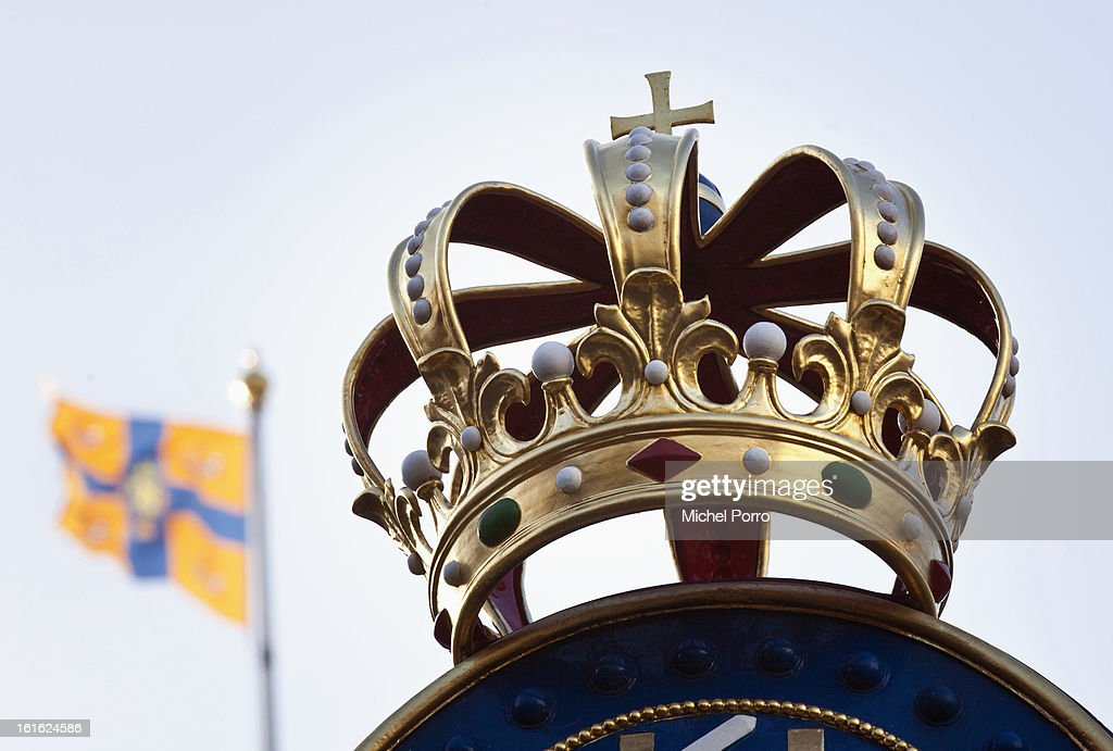. A crown decorates the Noordeinde Palace, the future work location of King Willem Alexander of The Netherlands on February 13, 2013 in The Hague, Netherlands..