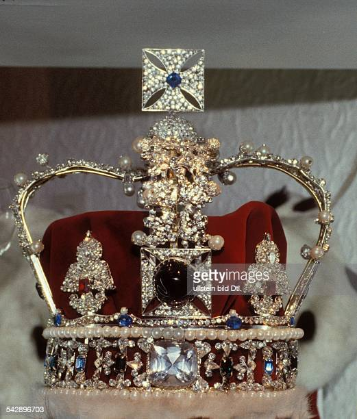 Crown jewels Imperial State Crown Replica of the Imperial State Crown crown of the British kings with the gems Black Prince's Ruby and Cullinan II...