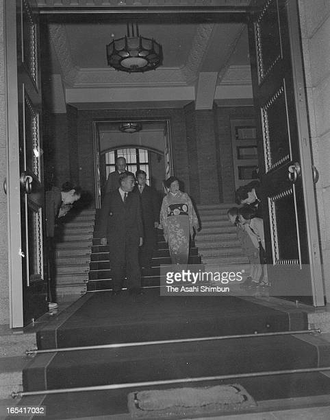 Crown Prince Akihito is seen off by Emperor Hirohito and Empress Nagako at the main enterance of the Imperial Household Agency building in the...