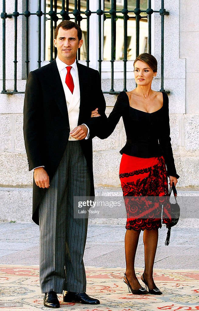 crown-prince-felipe-and-princess-letizia-attends-the-wedding-of-laura-picture-id82732467