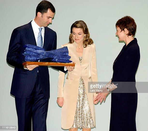 Crown Prince Felipe and Princess Letizia present the 'Antonio Asensio' Journalism Award to the BBC's Helen Boaden
