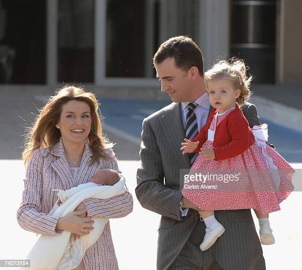 Crown Prince Felipe of Spain wife Princess Letizia and daugthers Princess Leonor and Princes Sofia leave the Ruber Clinic on May 04 2007 in Madrid