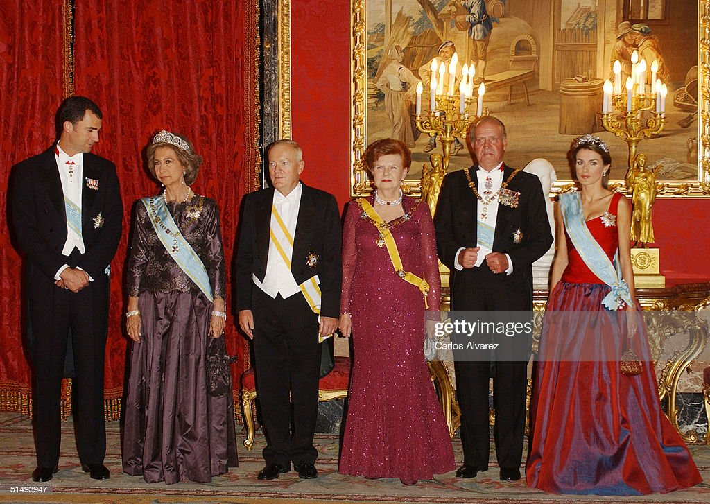 Crown Prince Felipe, Queen Sofia, Imants Freibergs, President Vaira Vike-Freiberga, King Juan Carlos and Princess Letizia attend Royal Gala Dinner honouring Letonia's President Vaira Vike-Freiberga at the Royal Palace on October 18, 2004 in Madrid, Spain.
