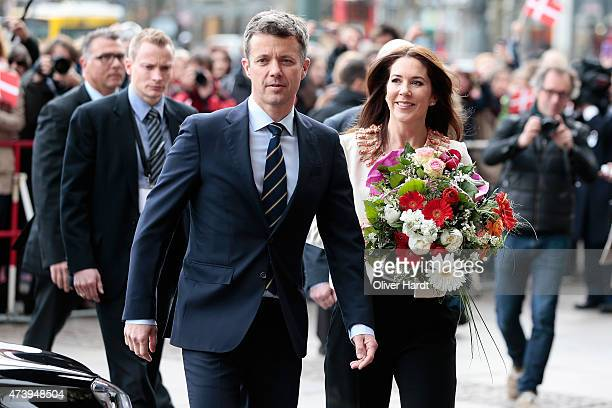 Crown Prince Frederik and Crown Princess Mary of Denmark arrive at the town hall on May 19 2015 in Hamburg Germany