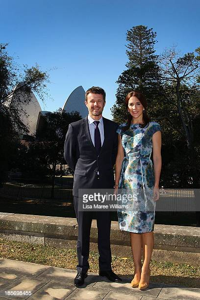 Crown Prince Frederik and Crown Princess Mary of Denmark pose in the gardens of Government House on October 24 2013 in Sydney Australia Prince...