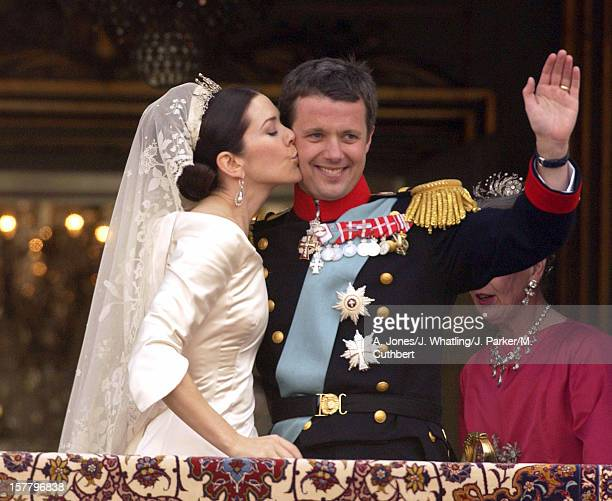 Crown Prince Frederik Crown Princess Mary Of Denmark Appear On The Balcony Of Amalienborg Palace After Their Wedding