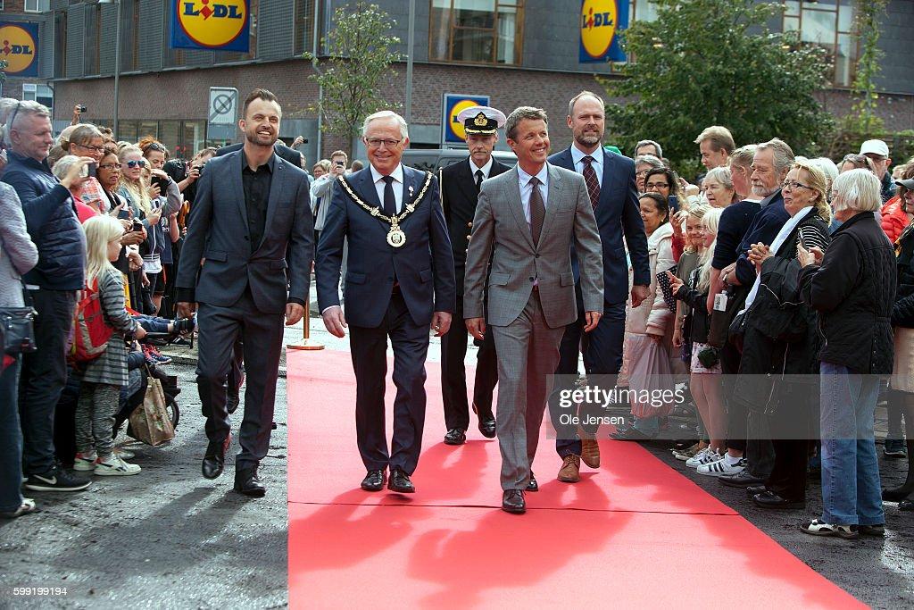 crown-prince-frederik-is-received-by-mayor-joergen-glenthoej-arrives-picture-id599199194