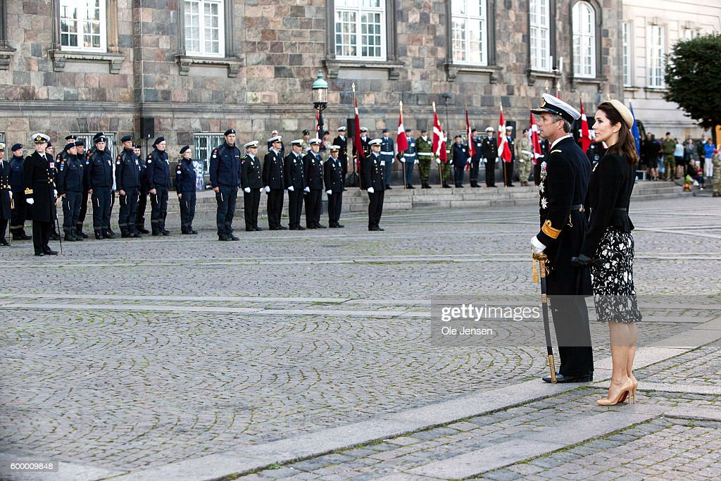 crown-prince-frederik-of-denmark-and-crown-princess-mary-of-denmark-picture-id600009848