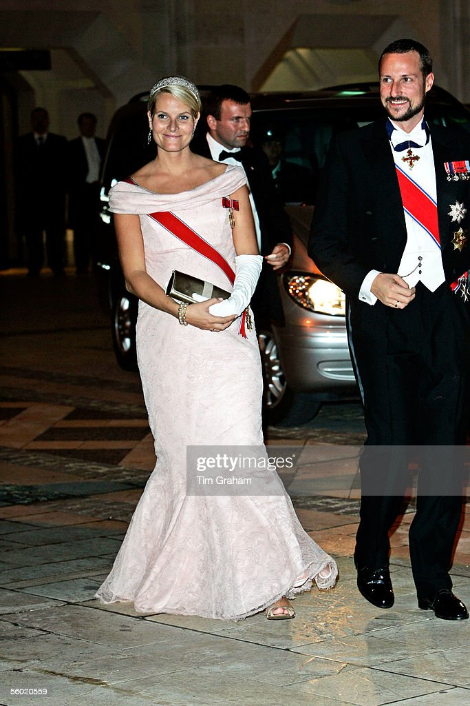 Crown Prince Haakon and Princess Mette-Marit of Norway attend a dinner held at the Guildhall on October 26, 2005 in London, England.