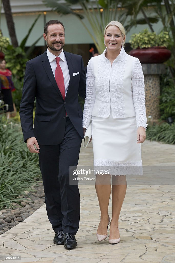 Crown Prince Haakon of Norway and Crown Princess Mette-Marit of Norway attend a meeting with the Norwegian Business delegation, at The Shangri-La Hotel, Jakarta, during an official 3-day visit to Indonesia, on November 26, 2012 in Jakarta, Indonesia. The visit intends to strengthen and develop the existing relationship between the countries, especially in relation to the energy, maritime, trade and investment sectors.