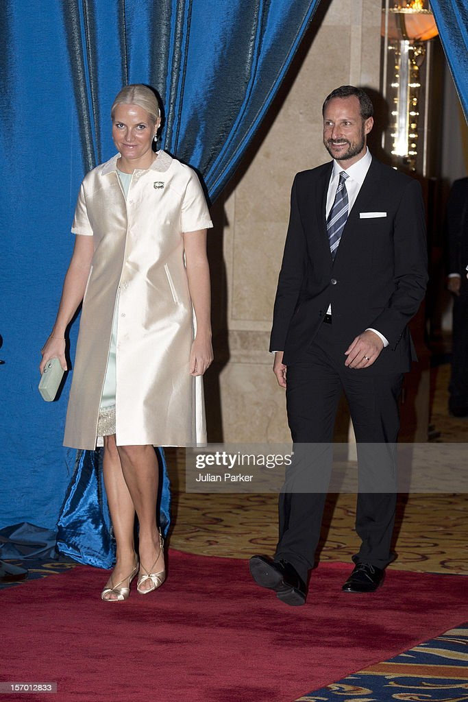 <a gi-track='captionPersonalityLinkClicked' href=/galleries/search?phrase=Crown+Prince+Haakon+of+Norway&family=editorial&specificpeople=158362 ng-click='$event.stopPropagation()'>Crown Prince Haakon of Norway</a> and <a gi-track='captionPersonalityLinkClicked' href=/galleries/search?phrase=Crown+Princess+Mette-Marit&family=editorial&specificpeople=171288 ng-click='$event.stopPropagation()'>Crown Princess Mette-Marit</a> of Norway attend a concert and Seafood buffet dinner at The Shangri-La Hotel during an official 3-day visit to Indonesia, on November 27, 2012 in Jakarta, Indonesia. The visit intends to strengthen and develop the existing relationship between the countries, especially in relation to the energy, maritime, trade and investment sectors.