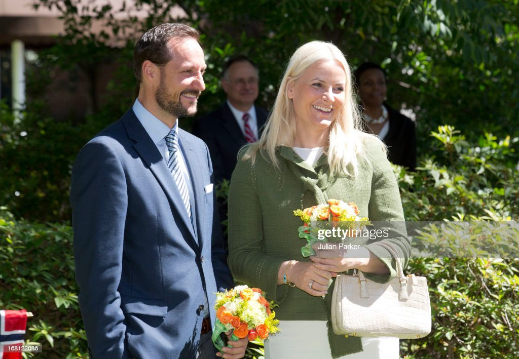 <a gi-track='captionPersonalityLinkClicked' href=/galleries/search?phrase=Crown+Prince+Haakon+of+Norway&family=editorial&specificpeople=158362 ng-click='$event.stopPropagation()'>Crown Prince Haakon of Norway</a> and <a gi-track='captionPersonalityLinkClicked' href=/galleries/search?phrase=Crown+Princess+Mette-Marit&family=editorial&specificpeople=171288 ng-click='$event.stopPropagation()'>Crown Princess Mette-Marit</a> of Norway arrive at The Houstonian Hotel, and begin a five official visit to the USA, on May 5, 2013 in Houston, Texas. The visit by TRH aims to promote Norwegian innovation and to celebrate 40 years of Norwegian participation at the annual Offshore Technology Conference.