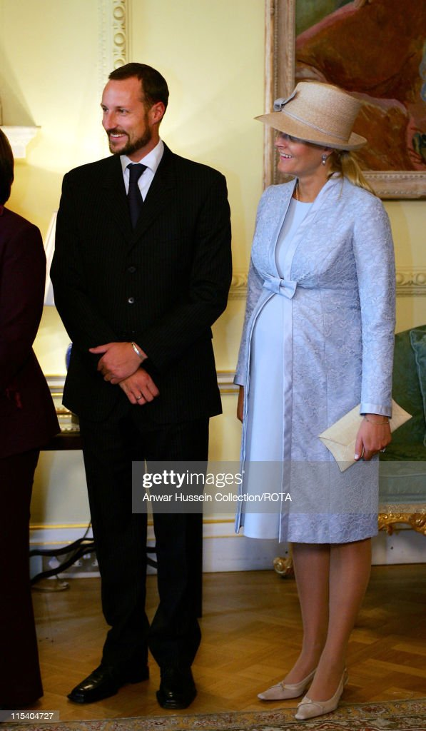 Crown Prince Haakon of Norway and Crown Princess Mette-Marit, who is eight months pregnant, pose inside 10 Downing Street on October 25, 2005 in London, England. The visit is to mark 100 years of Norway's independence from Sweden.
