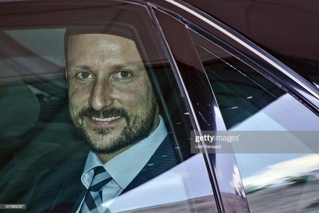 Crown Prince Haakon of Norway smiles as he leaves Yogyakarta Kraton Palace on November 28, 2012 in Yogyakarta, Indonesia. The four-day visit of the Royal Norwegian couple is intended to strengthen the relationship between the two countries, specifically in the areas of business and environment.