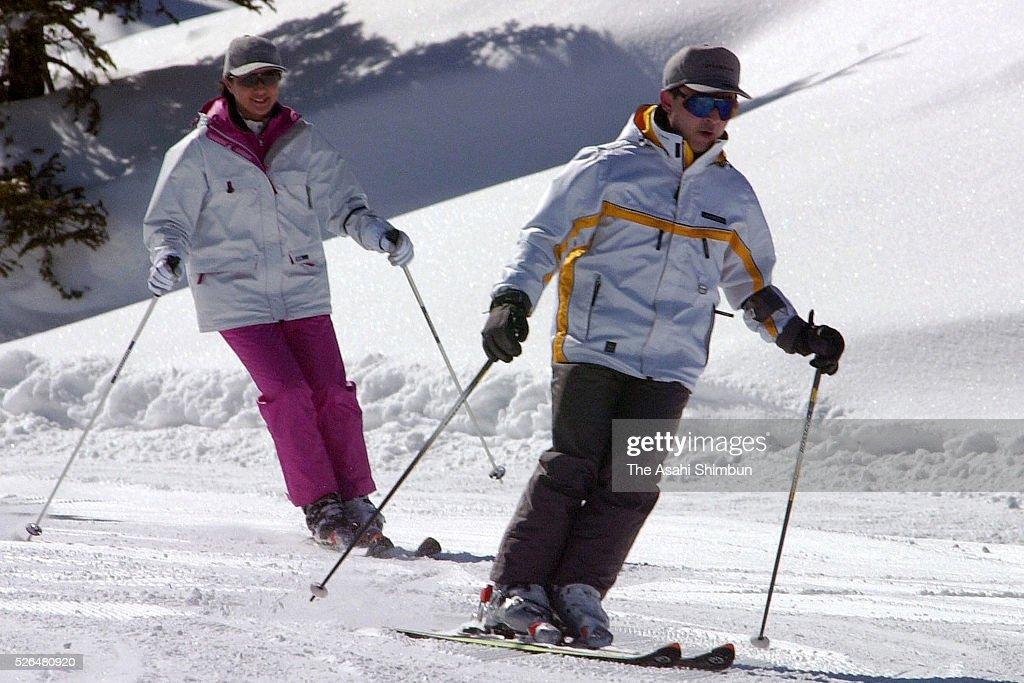 Crown Prince Naruhito and Crown Princess Masako enjoy skiing at the Okushigakogen Ski Resort on February 20 2001 in Yamanouchi Nagano Japan