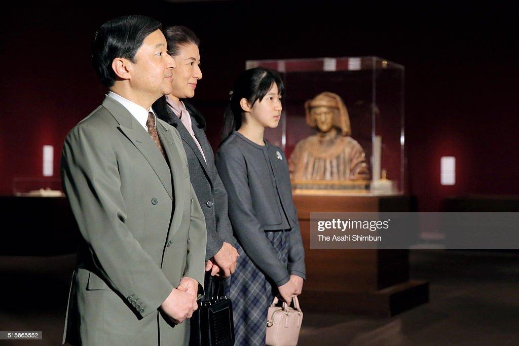Crown Prince Naruhito Crown Princess Masako and their daughter Princess Aiko visit the 'Botticelli and His Time' exhibition at the Tokyo Metropolitan...