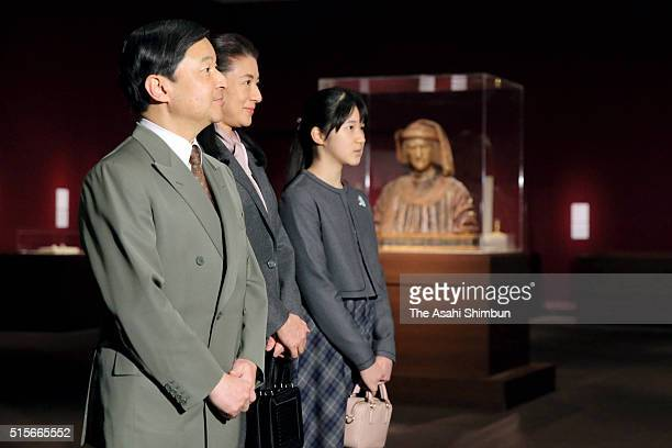 Crown Prince Naruhito Crown Princess Masako and their daughter Princess Aiko visit the 'Botticelli and His Time' exhibition at the Tokyo Metropolitan...