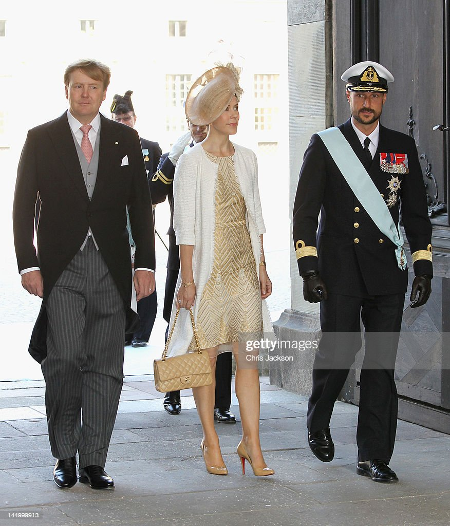 crown-prince-willemalexander-of-the-netherlands-crown-princess-mary-picture-id144999913