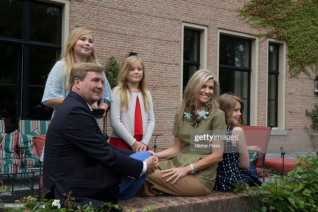 Crown Princess Catharina Amalia, King Willem-Alexander, Queen Maxima, Princess Ariane and Princess Alexia of The Netherlands pose for pictures during the annual summer photo call at their residence Villa Eikenhorst on July 8, 2016 in Wassenaar, Netherlands.