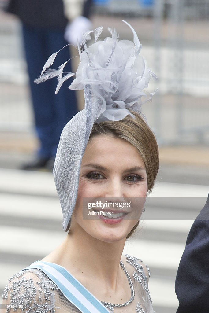 Crown Princess <a gi-track='captionPersonalityLinkClicked' href=/galleries/search?phrase=Letizia+of+Spain&family=editorial&specificpeople=158373 ng-click='$event.stopPropagation()'>Letizia of Spain</a> arrives at the Nieuwe Kerk in Amsterdam for the inauguration ceremony of King Willem Alexander of the Netherlands, on April 30, 2013 in Amsterdam, Netherlands.