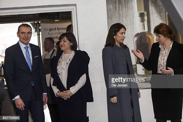 Crown Princess Mary and Icelandic President Gudni Thorlacius Johannesson and his wife Eliza Jean Reid visit Copenhagen Hospitality School on January...