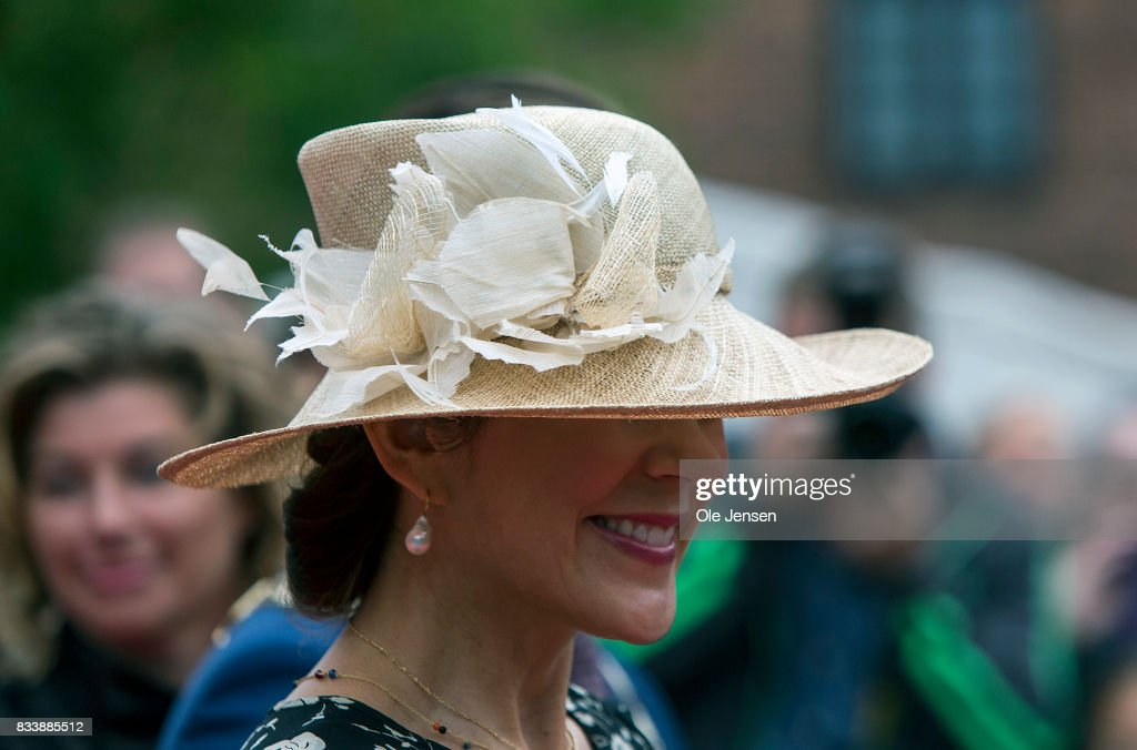 http://media.gettyimages.com/photos/crown-princess-mary-arrives-to-odense-flower-festival-which-she-is-to-picture-id833885512