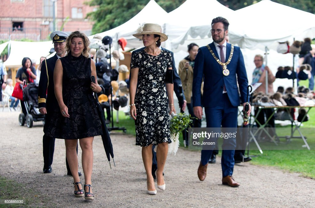 http://media.gettyimages.com/photos/crown-princess-mary-arrives-to-odense-flower-festival-which-she-is-to-picture-id833885530