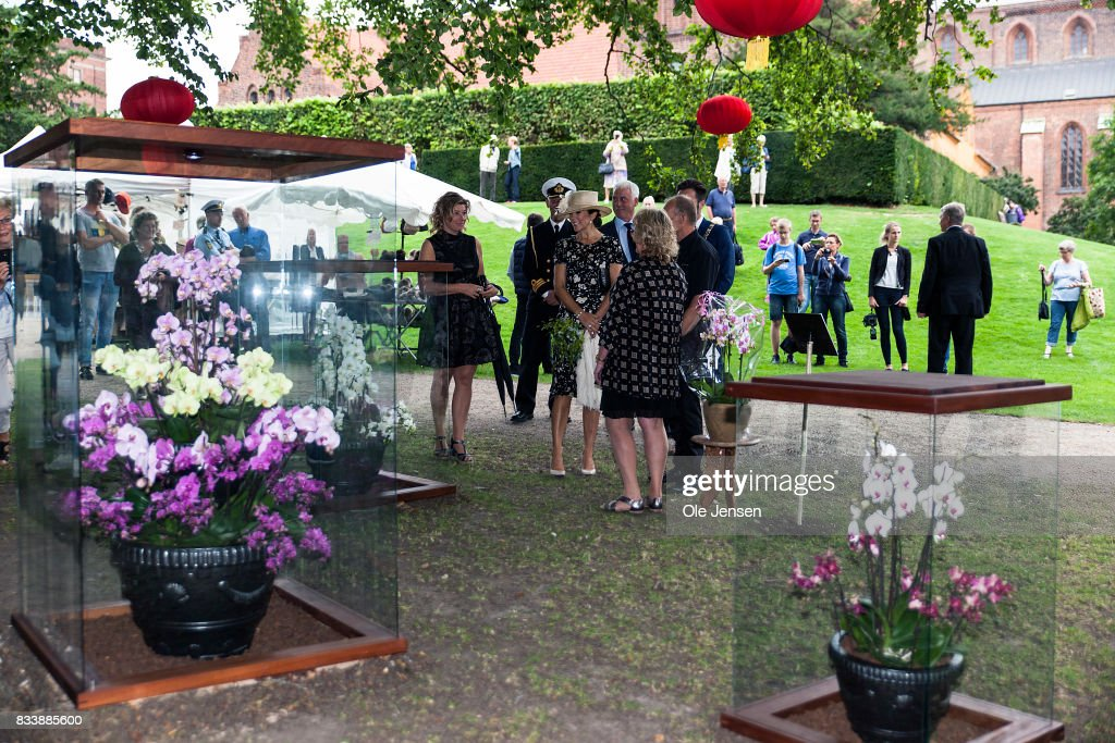 http://media.gettyimages.com/photos/crown-princess-mary-arrives-to-odense-flower-festival-which-she-is-to-picture-id833885600