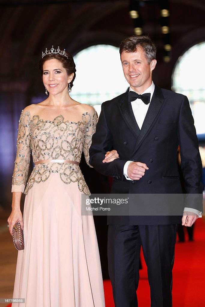 <a gi-track='captionPersonalityLinkClicked' href=/galleries/search?phrase=Crown+Princess+Mary+of+Denmark&family=editorial&specificpeople=158374 ng-click='$event.stopPropagation()'>Crown Princess Mary of Denmark</a> (L) and Crown <a gi-track='captionPersonalityLinkClicked' href=/galleries/search?phrase=Prince+Frederik+of+Denmark&family=editorial&specificpeople=171286 ng-click='$event.stopPropagation()'>Prince Frederik of Denmark</a> (R) arrive at a dinner hosted by Queen Beatrix of The Netherlands ahead of her abdication at Rijksmuseum on April 29, 2013 in Amsterdam, Netherlands.
