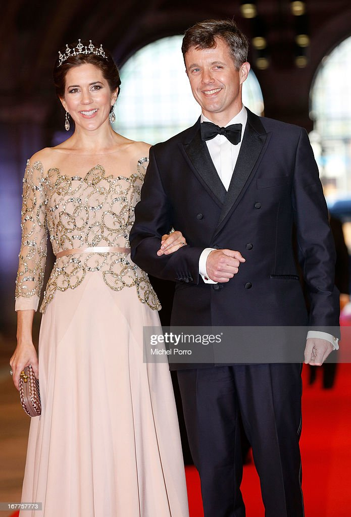<a gi-track='captionPersonalityLinkClicked' href=/galleries/search?phrase=Crown+Princess+Mary+of+Denmark&family=editorial&specificpeople=158374 ng-click='$event.stopPropagation()'>Crown Princess Mary of Denmark</a> and Crown <a gi-track='captionPersonalityLinkClicked' href=/galleries/search?phrase=Prince+Frederik+of+Denmark&family=editorial&specificpeople=171286 ng-click='$event.stopPropagation()'>Prince Frederik of Denmark</a> attend a dinner hosted by Queen Beatrix of The Netherlands ahead of her abdication in favour of Crown Prince Willem Alexander at Rijksmuseum on April 29, 2013 in Amsterdam, Netherlands.
