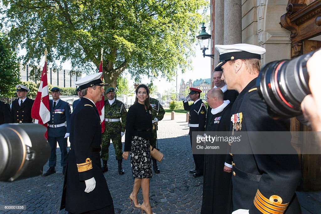 crown-princess-mary-of-denmark-and-crown-prince-frederik-of-denmark-picture-id600001336
