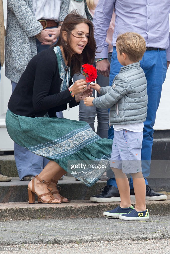 crown-princess-mary-of-denmark-and-prince-vincent-of-denmark-attend-picture-id547544426