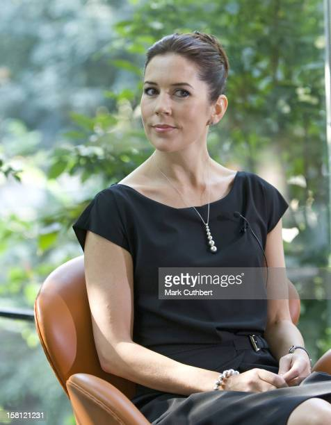 Crown Princess Mary Of Denmark On A Four Day Visit To New York Mary At A Press Meeting In Central Park On The Last Day Of A Five Day Trip To New York