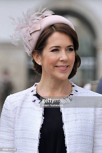 Crown Princess Mary of Denmark visits the Tomb of the Unknown Soldier as part of her visit to Poland on May 12 2014 in Warsaw Poland