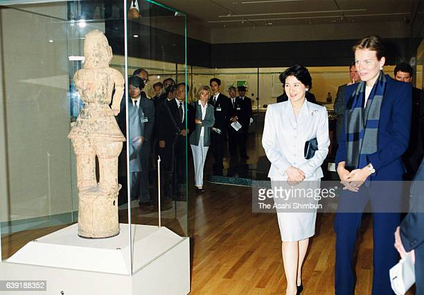 Crown Princess Masako introduces exhibits to Crown Princess Mathilde of Belgium at the Tokyo National Museum on September 25 2000 in Tokyo Japan