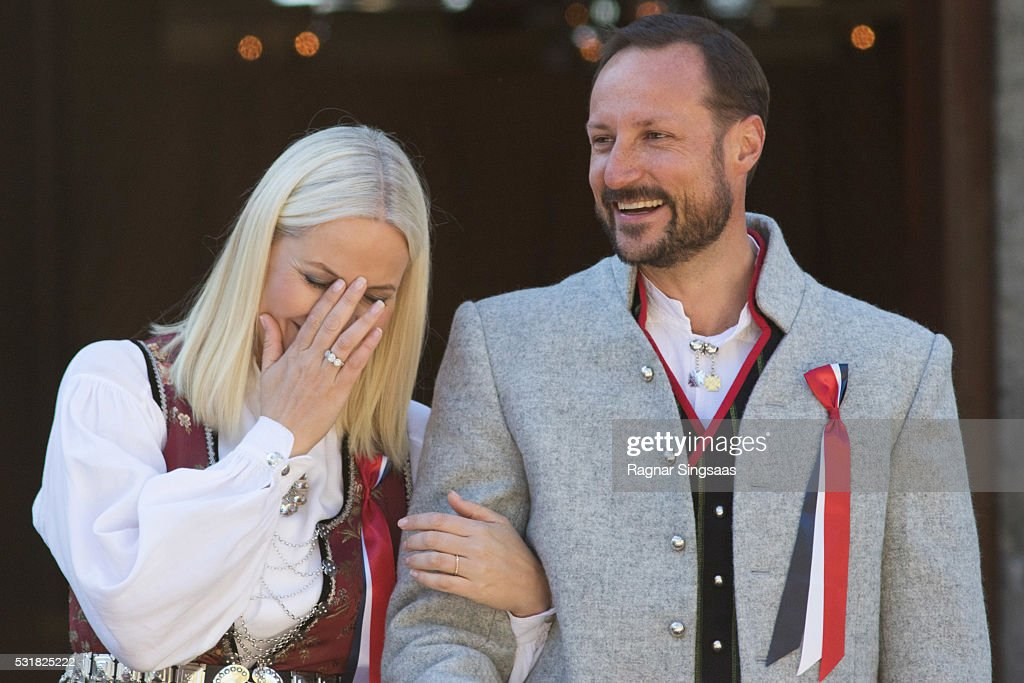 <a gi-track='captionPersonalityLinkClicked' href=/galleries/search?phrase=Crown+Princess+Mette-Marit&family=editorial&specificpeople=171288 ng-click='$event.stopPropagation()'>Crown Princess Mette-Marit</a> of Norway and <a gi-track='captionPersonalityLinkClicked' href=/galleries/search?phrase=Crown+Prince+Haakon+of+Norway&family=editorial&specificpeople=158362 ng-click='$event.stopPropagation()'>Crown Prince Haakon of Norway</a> celebrate National Day on May 17, 2016 in Asker, Norway.